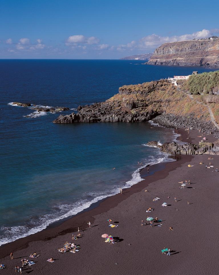 Llega a Tenerife un 7 por ciento más de turistas en el primer semestre de 2011