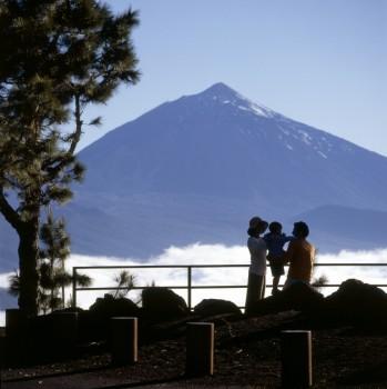 El turismo ha generado para Tenerife 2.716 millones de euros hasta septiembre, un 8 por ciento más que en 2010