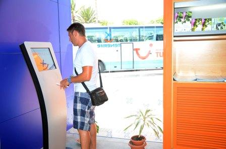 Las oficinas de Información turística de la Isla reciben medio millón de visitas en los seis primeros meses de 2012