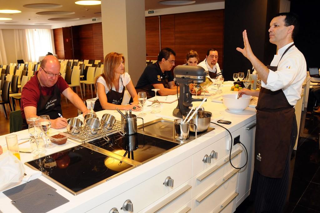 Periodistas alemanes y brit nicos conocen la gastronom a de la isla el blog de turismo de tenerife - Cursos de cocina en cuenca ...