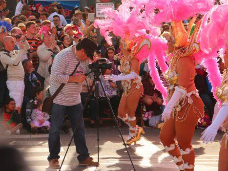 Canal 1 TV de Rusia grabando durante el Carnaval de Tenerife 2014