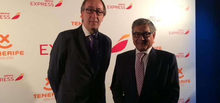 Tenerife, protagonista en la celebración del pasajero 10 millones de Iberia Express