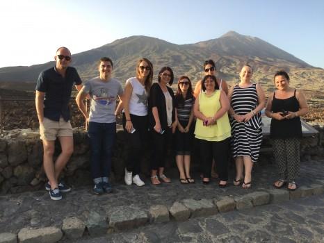 El grupo participante durante su visita al Teide.