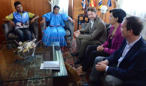 La mexicana Lorena Ramírez correrá mañana la Cajamar Tenerife Blue Trail con el tradicional traje blanco de su comunidad indígena
