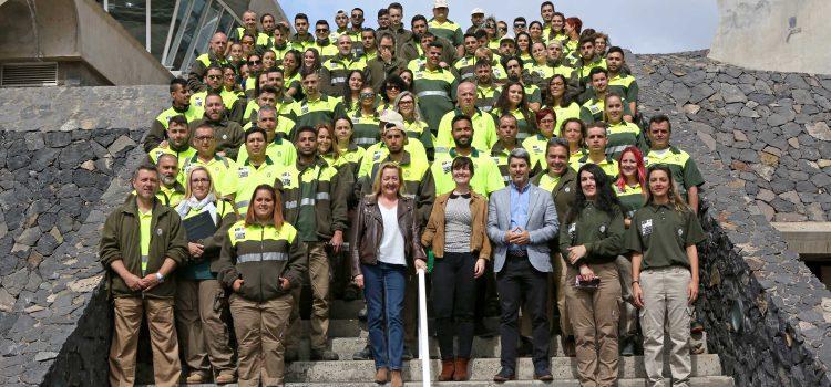 El Cabildo contrata a 120 trabajadores para mejorar la imagen de las zonas  turísticas