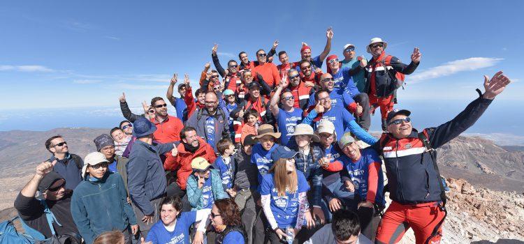 La expedición '3.718 retos' alcanza el pico del Teide  para visibilizar a las personas con diversidad funcional