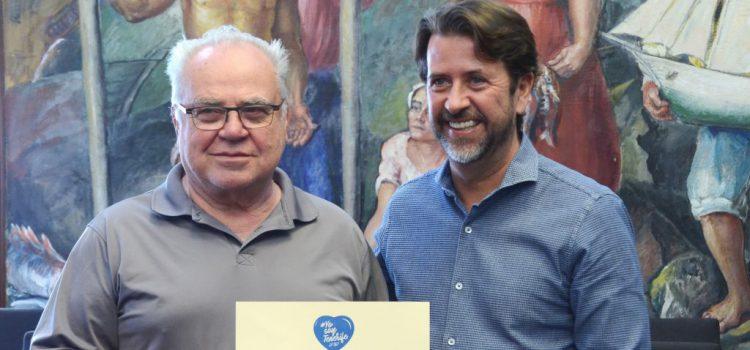 El artista francés Bernard Romain, nuevo embajador de la campaña de sensibilización turística #YosoyTenerife