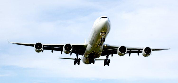 Las aerolíneas lanzan ofertas para volar en verano ante el freno de la demanda