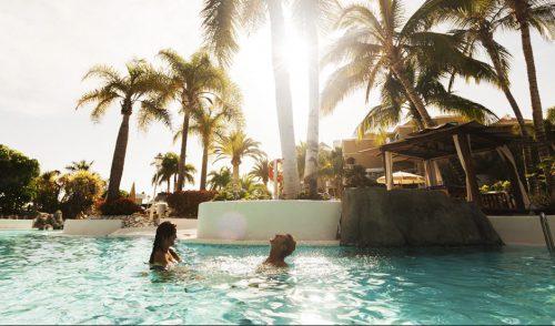 Tenerife Select trae a la Isla a dos periodistas de la revista británica especializada en lujo Epicurean Life