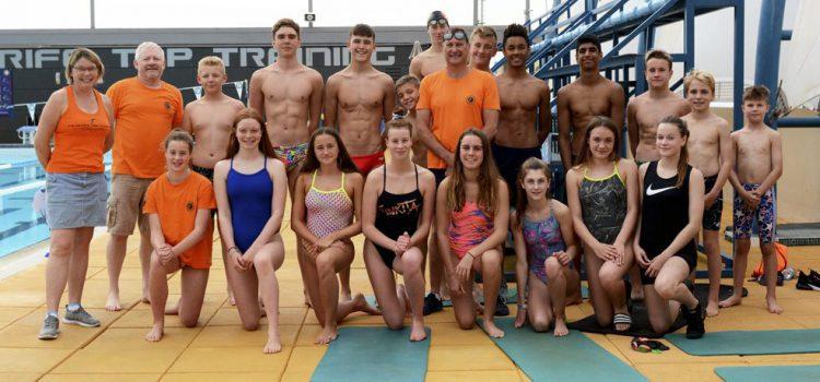 El olímpico Nick Gillingham clausura su campus de natación en Tenerife Top Training