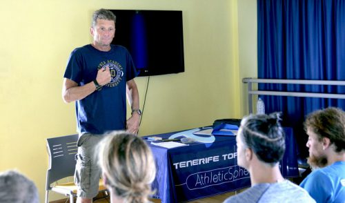Umberto Pelizzari forma a instructores de apnea en el Tenerife Top Training