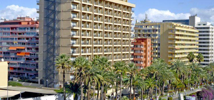 Los hoteleros canarios demandan mayores inversiones en turismo