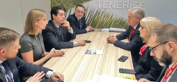 El Cabildo anuncia la apertura de una base de Jet2 en Tenerife
