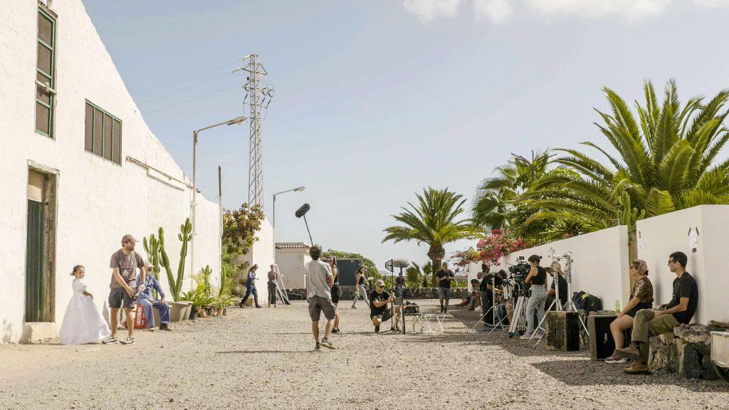 cropped-Hombres-de-leche-cortesia-Volcano-Films-en-Tenerife-2.jpg