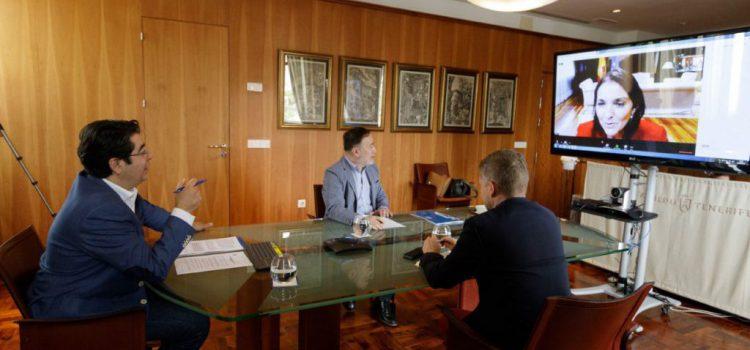 Tenerife debate con la ministra la estrategia turística de la isla de los próximos meses