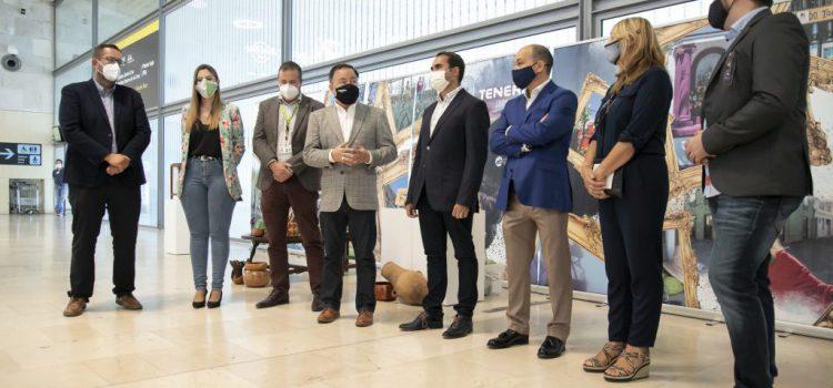 El Cabildo apoya la exposición 'Relatos del Pueblo' en el Aeropuerto Tenerife Norte